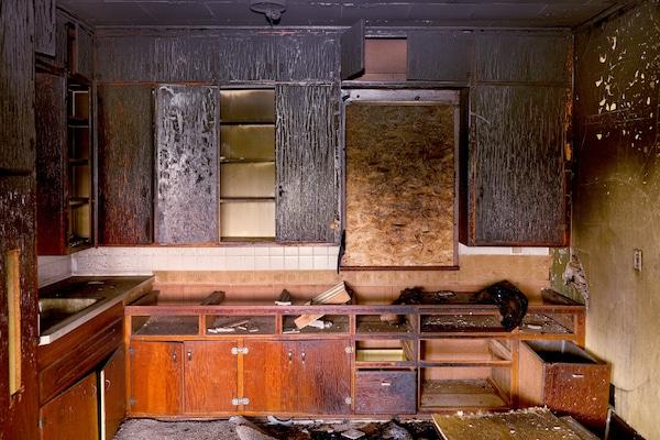 Smoke Damage, Smoke Deodorization, Dealing w/ Soot, smoke and soot removal